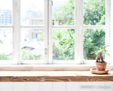 窓際の光を利用して小物撮影をグレードアップ!