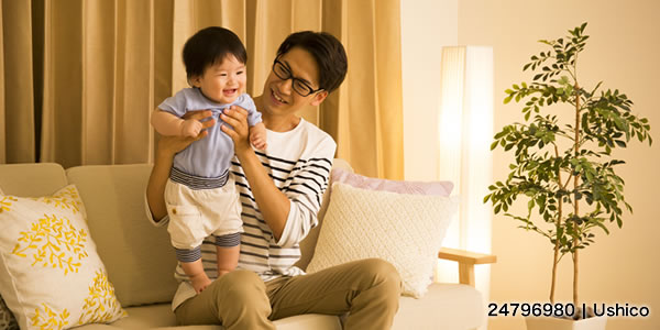 お父さんと男の子の赤ちゃん