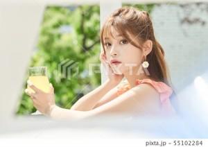 The韓国ファッション・メイク・ヘアスタイルの素材_4
